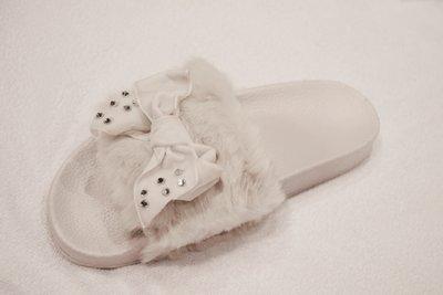 Fauxfur slippers